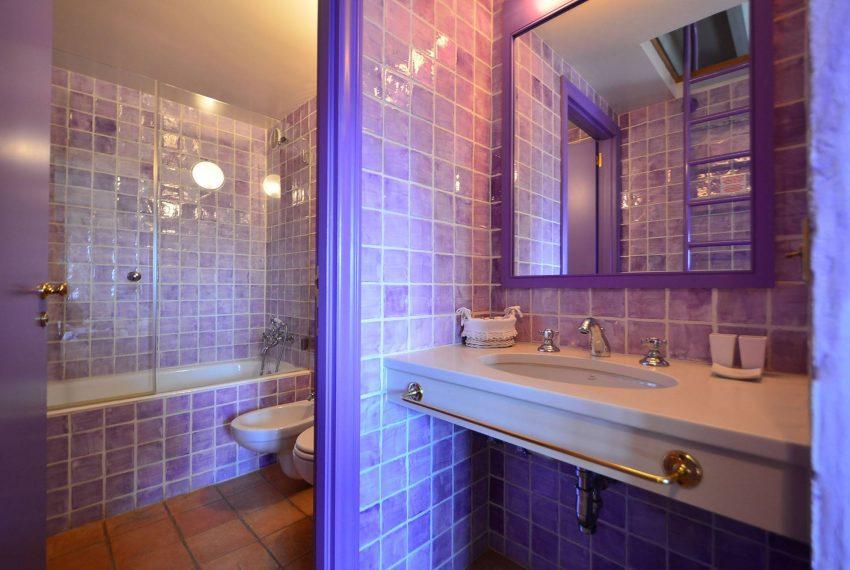 Hotel Venta Emporda Bano Violeta