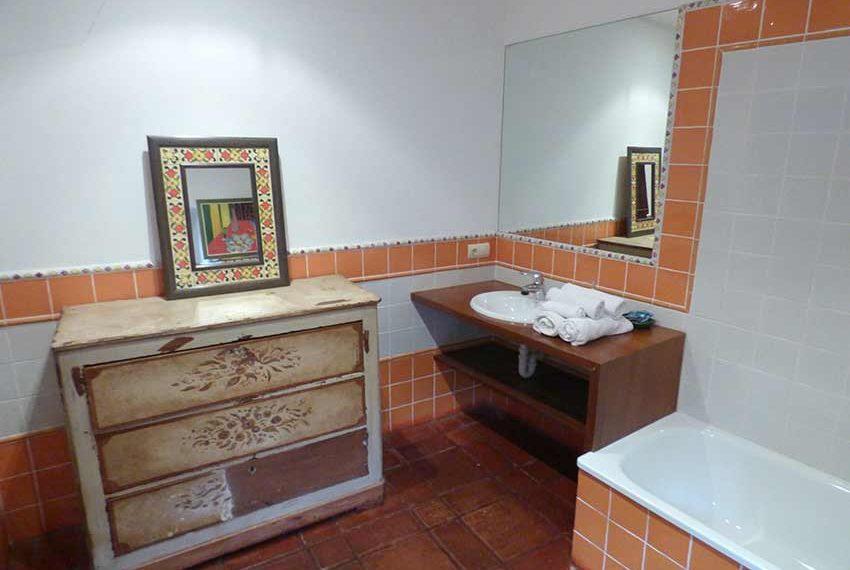 Hotel-BB-en-Venta-en-el-Baix-Emporda-Lavabo