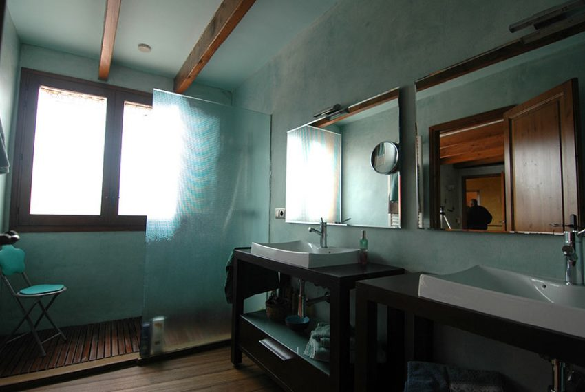 Casa-de-Pueblo-con-Patio-Bany-Suite