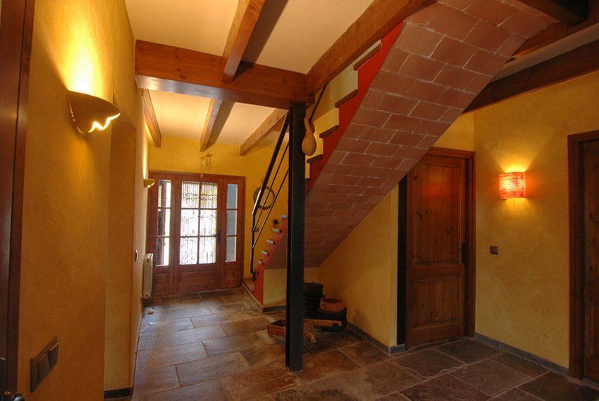 Casa-de-Pueblo-con-Patio-Entrada